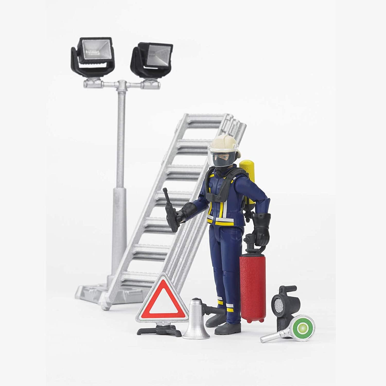bworld, Feuerwehrmann mit Atemschutzausrüstung